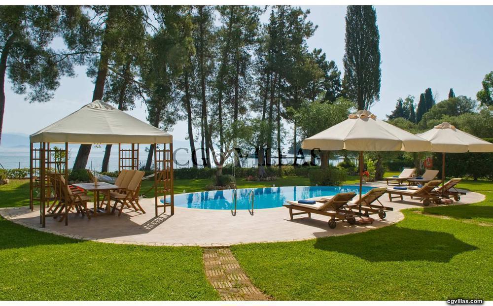 Beachfront Villa Susanne